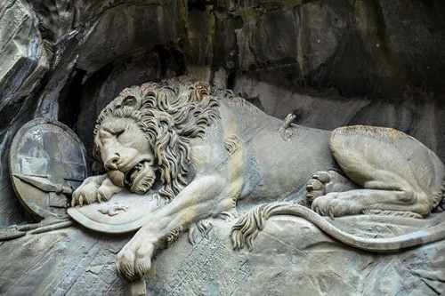 slika preuzeta sa https://vsuete.com/mortally-wounded-lion-monument-in-lucerne/